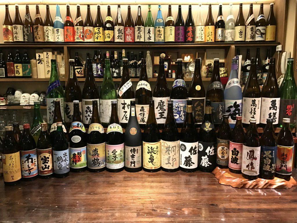 鹿児島市 居酒屋 鹿児島中央駅すぐ  八幡 本格芋焼酎100銘柄 豊富な品揃え